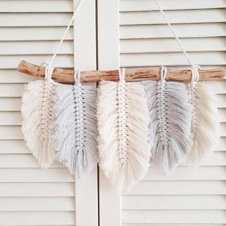 Панно с перьями - очень красивый декор в стиле бохо