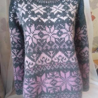 Жіночий светр оверсайз