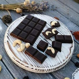 Шоколад на меду в асортименті