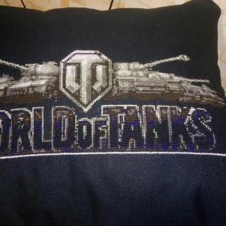 Вышитая подушка World of Tanks