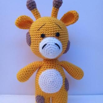 Вязаный желтый жираф.  Жирафик маленький.