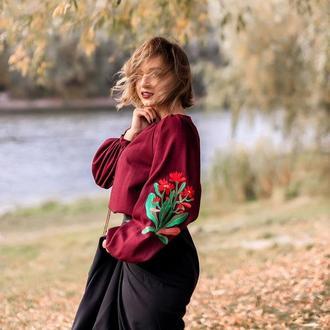 Вышитая женская блузка r e d b l o o m
