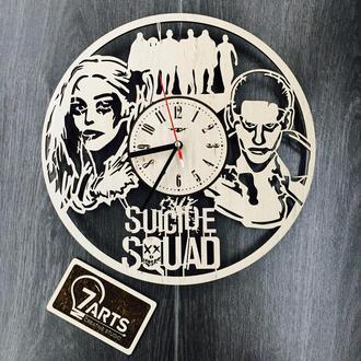 Оригинальные настенные часы «Отряд самоубийц»