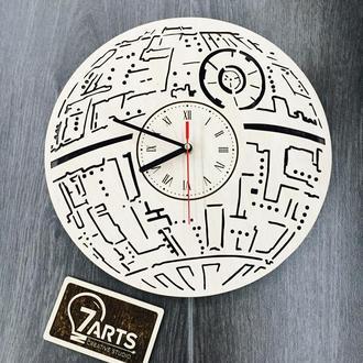 Настенные часы из дерева «Звезда смерти»