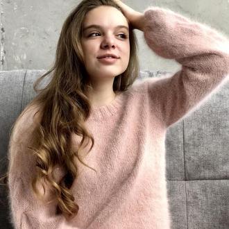Ангоровий светр з паєтками