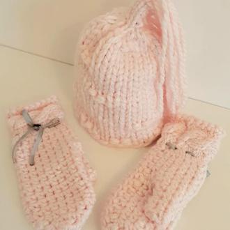 Варежки и шапка с кисточками нежно розовый теплый комплект