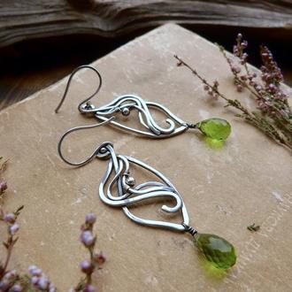 Срібні сережки з перідотом - Сержки підвіски - Подарунок для дружини