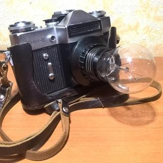 Настільний ретро світильник-фотоапарат