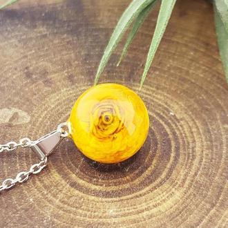 Кулон с ярким жёлтым лютиком Подарок девушке 8 марта цветы (модель № 2751) Glassy Flowers