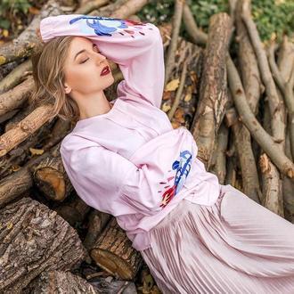 Вышитая женская блузка p r o t e a