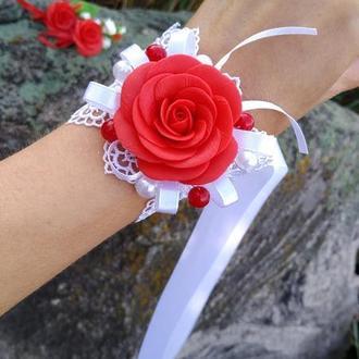 Свадебный браслет для невесты или свидетелей с красной розой