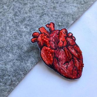 Брошь Анатомическое сердце