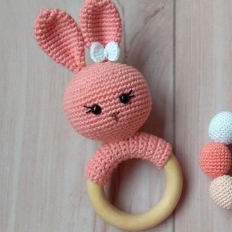 Погремушка - грызунок зайчик для малыша