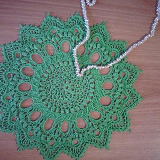 Ажурная салфетка крючком зелёного цвета Splendid
