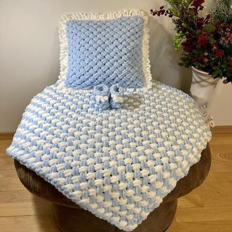 Плед , подушка и пинетки