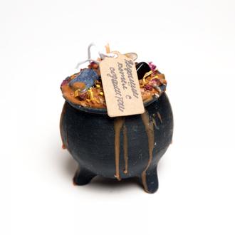 Свеча ведьмин котел с содалитом, агатом для здоровья и защиты от негатива