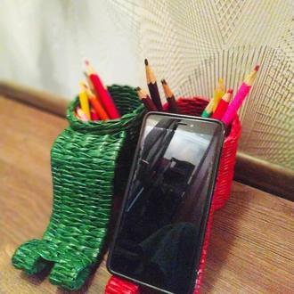 Подставка для телефона  из бумажной лозы