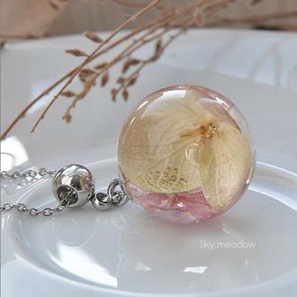 Кулончик с розово-белым гелихризумом