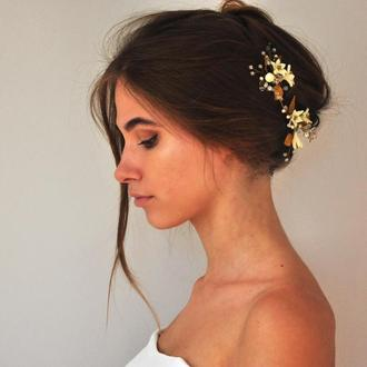 Шпильки для волос с белыми  цветами и бусинами