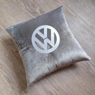 Подушка подарок авто логотип фольцваген машину женщине мужчине 23 февраля 8 марта рождения