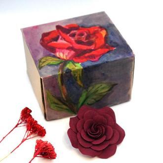 """Оригинальный подарок. Заколка для волос """"Роза марсала"""" в подарочной коробке"""