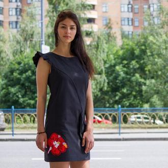 Платье женское черное хлопковое ассиметричное на подкладке.