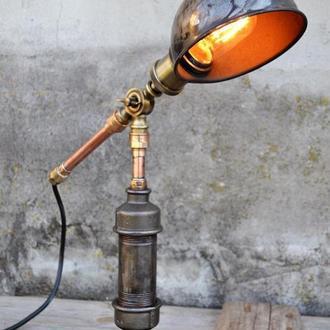 Настольная индустриальная лампа,стимпанк освещение из ретро деталей прошлого века.