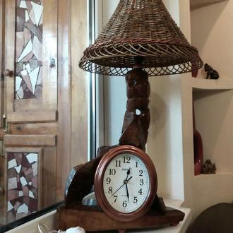 Светильник-часы