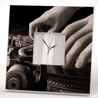 """Сучасні дизайнерські годинники """"Діджейський пульт"""""""