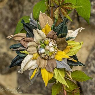 Брошь-цветок под заказ, из итальянской кожи и натуральных камней