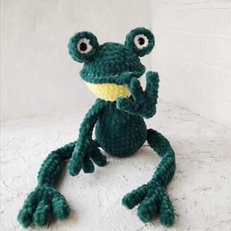 Игрушка лягушка. Плюшевая лягушка. Мягкая игрушка жаба. Вязаные игрушки