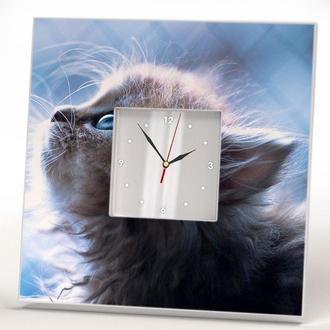 """Необычные дизайнерские часы """"Котенок с голубыми глазами"""""""