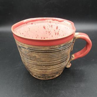 Керамическая красивая чашка.