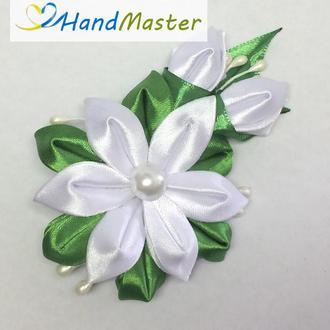 Заколка для волос «Веточка белых цветов»