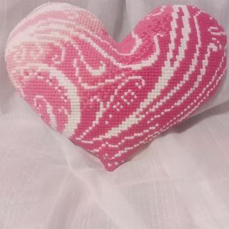Подушка сердце ручная вышивка