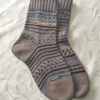 В'язані шкарпетки з шкарпеткової вовни