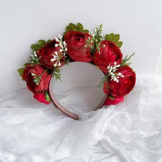 Обруч-вінок з червоними трояндами