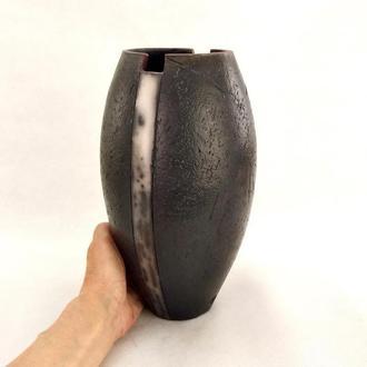 Ваза черная керамическая, Naked Raku