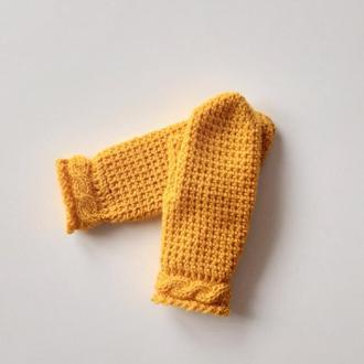 Желтые яркие вязаные варежки, рукавицы  весенние