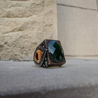 Огромная печатка перстень кольцо из серебра 925 пробы ручной работы с зеленым камнем