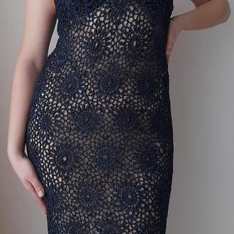 кружевное вязаное платье