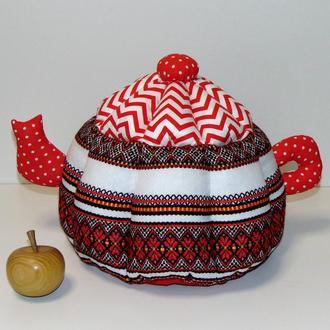 Грелка для чайника зиг заг с вышивкой красная