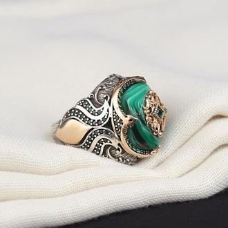 Перстень с уникальным камнем с разводами Серебро с позолоченной накладкой Гравировка инициал