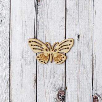 Бабочка резная деревянная 5,5*3 см. 1шт