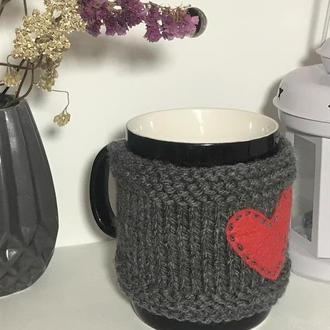 Грелка на чашку, свитер на чашку, чехол на чашку с сердечком