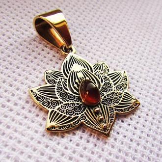 Цветочный кулон Лотос с сердоликовой вставкой