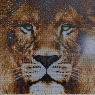 Картина ручной работы Лев - вышивка чешским бисером. Размер 58 х 44 см