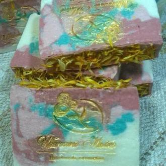 «Вишневый сад»-мыло с маслом Ши и янтарной кислотой.