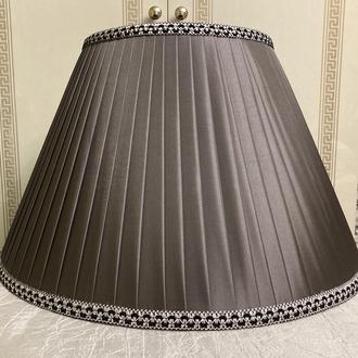 серый абажур