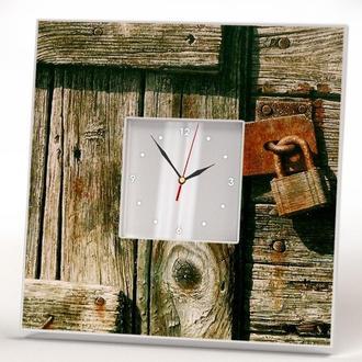 "Настенные часы с винтажным декором ""Ржавый замок"""